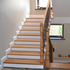 Деревянные ступеньки для лестницы