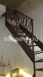 Изготовление лестниц на металлокаркасе на заказ